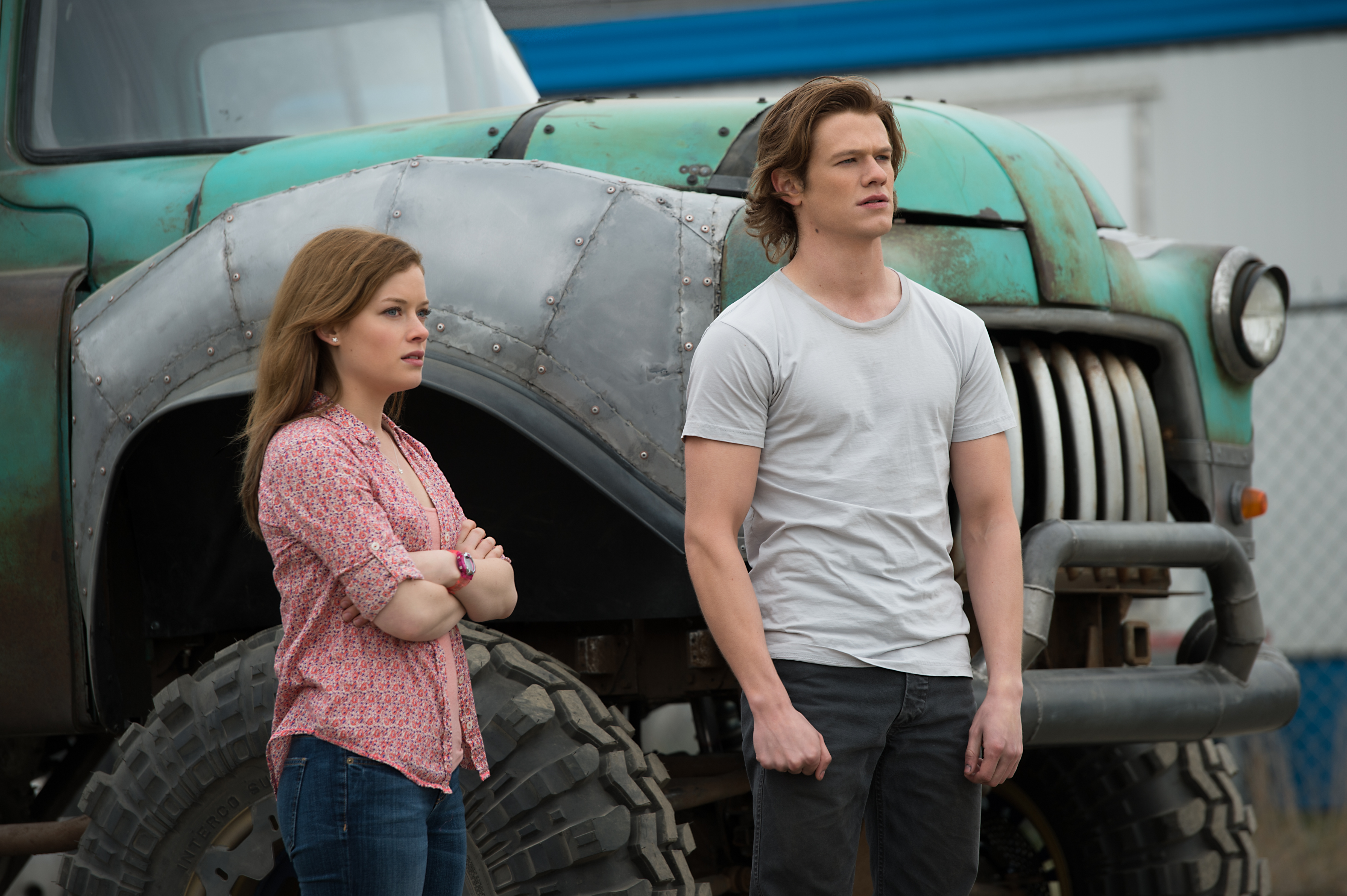 Jane Levy plays Meredith and Lucas Till plays Tripp in Monster Trucks from Paramount Pictures.